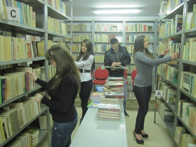 in biblioteca 1